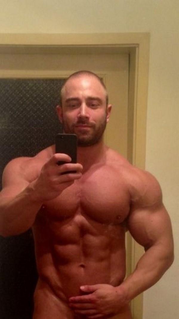 Tchat sexe avec un homme mature bodybuilder